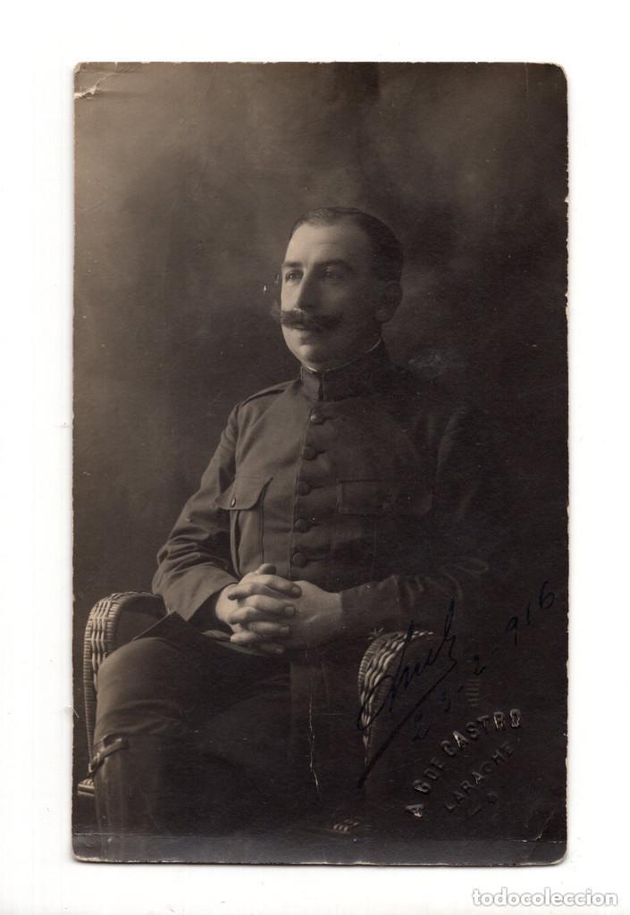 POSTAL FOTOGRÁFICA.- MILITAR 1916. A.G. DE CASTRO. LARACHE (Postales - Postales Temáticas - Militares)