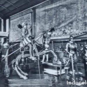 Armaduras de Carlos V. Tapices siglo XVI. Palacio real. Real armería. Madrid. Postal