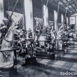 Armaduras siglo XVI. Palacio real. Real armería. Madrid. Postal