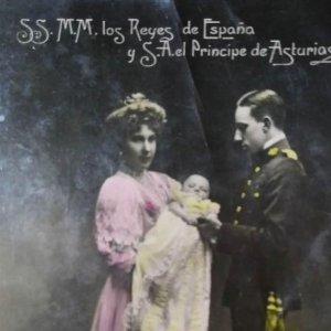 Postal. Monarquía. Reyes de España y Príncipe de Asturias. Coloreada. Resines. Circulada