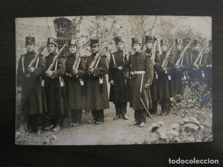 MILITARES ARMADOS-POSTAL FOTOGRAFICA MILITAR-VER FOTOS-(57.483) (Postales - Postales Temáticas - Militares)