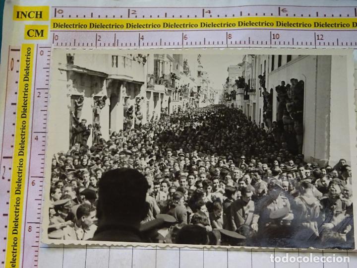 FOTO FOTOGRAFIA POLÍTICO MILITAR. AÑOS 40 60. DISCURSO MILITAR FALANGISTA EN BADAJOZ ?. 2313 (Postales - Postales Temáticas - Militares)