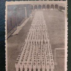 Postales: POSTAL FOTOGRAFICA. MARINOS... AÑO 1944.. PATIO DE ARMAS, CAMPO DE FUTBOL.... Lote 171131592