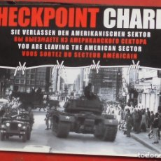 Postales: CHECK POINT CHARLIE EN BERLÍN. Lote 177646754