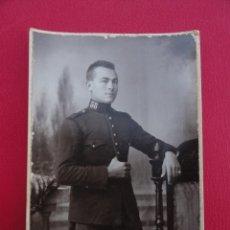 Postales: POSTAL SOLDADO. FOTO DE ESTUDIO. FOTÓGRAFO RICARDO GÓMEZ. MELILLA. AÑO 1922.. Lote 179330831