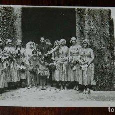 Postales: FOTO POSTAL DE BODA DE MIMI MERITO JUNTO CON SUS DAMAS DE HONOR, AÑO 1916, NO CIRCULADA, ESCRITA POR. Lote 180226837