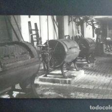 Postales: POSTAL FOTOGRÁFICA. HOSPITAL MILITAR ESPAÑOL DE TETÚAN. SALA DE LAVANDERÍA. 1921.. Lote 195214660