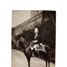 Postales: ALFONSO XIII A CABALLO. CUATRO ORDENES MILITARES. CABALLERÍA. FOT FRANZEN.POSTAL FOTOGRÁFICA.. Lote 197306097