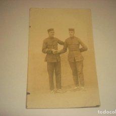 Postales: ANTIGUA FOTO DE DOS MILITARES DE MELILLA. Lote 203875833