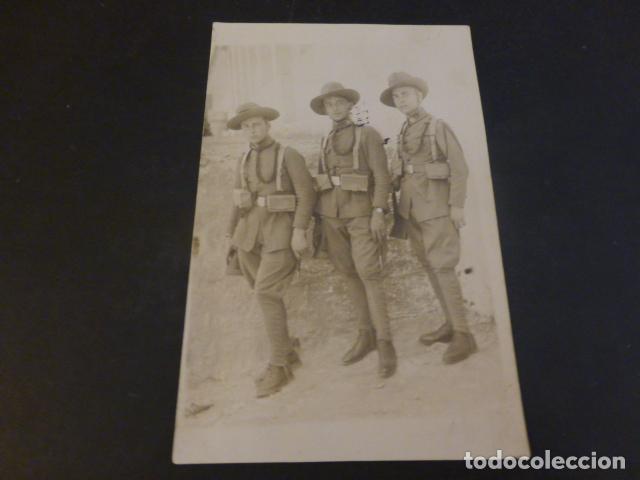 SOLDADOS SANIDAD MILITAR EN UNIFORME POSTAL FOTOGRAFICA AÑOS 20 (Postales - Postales Temáticas - Militares)
