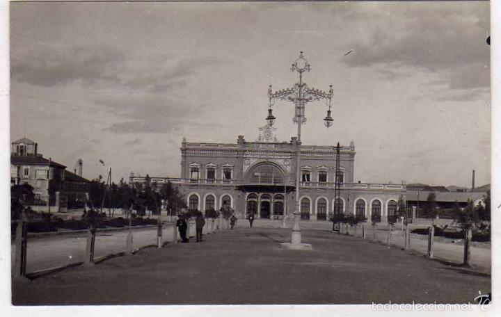 POSTAL FOTOGRÁFICA. VISTA DE LA ESTACIÓN DE FERROCARRIL. CARTAGENA. FOTOGRAFÍA CASAU. (Postales - España - Murcia Antigua (hasta 1.939))