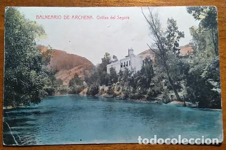 RARA POSTAL COLOREADA DE LAS ORILLAS DEL SEGURA EN EL BALNEARIO DE ARCHENA MURCIA (Postales - España - Murcia Antigua (hasta 1.939))
