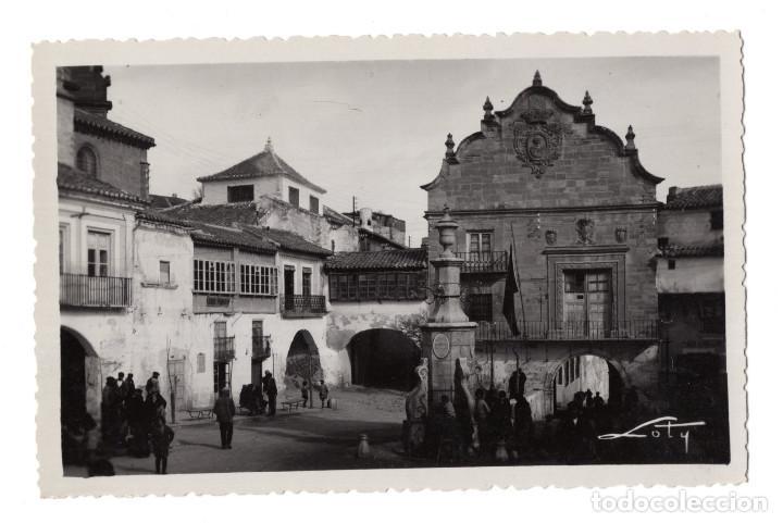 CHINCHILLA. ALBACETE.- EL AYUNTAMIENTO Y PLAZA DE LA CONSTITUCIÓN.- COLECCIONES LOTY (Postales - España - Murcia Antigua (hasta 1.939))