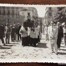 Cartoline: FOTOGRAFÍA FORMATO POSTAL. FOTO SÁEZ. ENTIERRO DE UN RELIGIOSO. CARTAGENA. MURCIA.. Lote 139089322