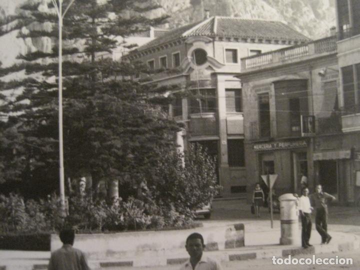 Postales: ALHAMA DE MURCIA-MERCERIA-PERFUMERIA-TABACOS...-FOTOGRAFIA ANTIGUA-TAMAÑO POSTAL-VER FOTOS-(68.055) - Foto 2 - 195127425