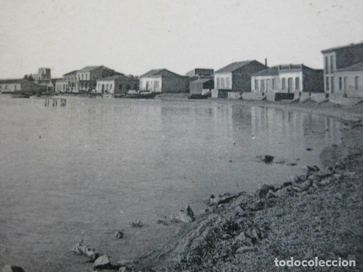ALCAZARES-PLAYA DE PESCADORES Y AL FONDO HOTEL Y BALNEARIOS DEL MAR-ROISIN-1-POSTAL ANTIGUA-(71.382) (Postales - España - Murcia Antigua (hasta 1.939))