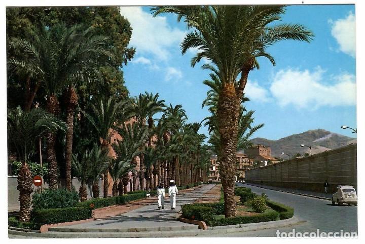 POSTAL CARTAGENA, CALLE REAL. ED. GIJU, CARTAGENA, Nº 20 (1965). MARINEROS. SEAT 600. PALMERAS. (Postales - España - Murcia Moderna (desde 1.940))