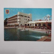 Postales: POSTAL SANTIAGO DE LA RIBERA HOTEL LOS ARCOS (MURCIA) CIRCULADA 1968 3 MATASELLOS ACADEMIA GRAL AIRE. Lote 279411943
