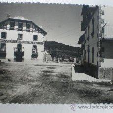 Postales: BURGUETE (NAVARRA) - CALLE TIPICA Y HOTEL BURGUETE. Lote 24758145