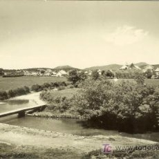 Postales: PS0185 BURGUETE (NAVARRA) 'VISTA PARCIAL Y PUENTE'. ED. SICILIA Nº 3. CIRCULADA EN 1963. Lote 13651764