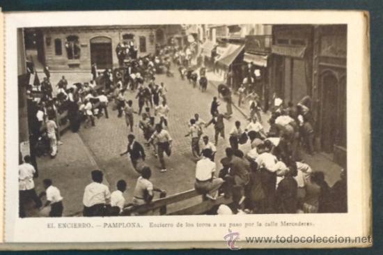 Postales: EL FAMOSO Y TÍPICO ENCIERRO DE LOS TOROS, PAMPLONA. SAN FERMÍN. 10 POSTALES. - Foto 5 - 34668564