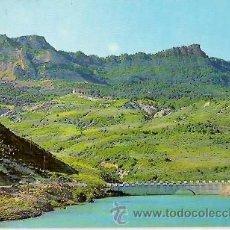 Postales: POSTAL A COLOR 115 MONASTERIO Y SIERRA DE LEYRE NAVARRA DESDE EL PANTANO DE YESA FOTO PEÑARROYA. Lote 39238353