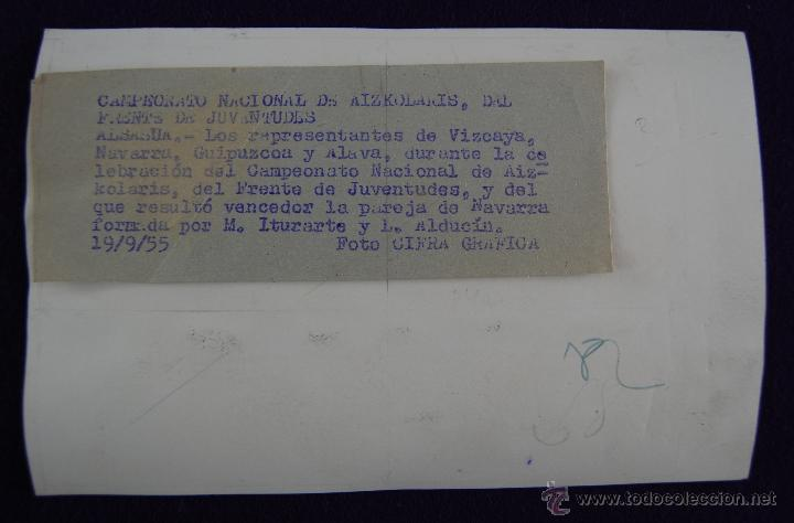 Postales: RARA FOTOGRAFIA DE ALSASUA, NAVARRA. CAMPEONATO NACIONAL DE AIZKOLARIS DEL FRENTE DE JUVENTUDES.1955 - Foto 2 - 43931769