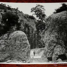 Postales: FOTOGRAFIA DE NAVARRA,UN PASO DE LA SIERRA DE ANDIA, MIDE 17,3 X 12,2 CMS. FOTOGRAFO MARQUES DE SANT. Lote 45037915