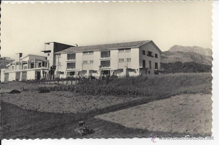 VERA DE BIDASOA. ALBERGUE DE F.E.T. . MONTE LARÚN AL FONDO. EDIC. AISA Nº 16 (Postales - España - Navarra Moderna (desde 1.940))