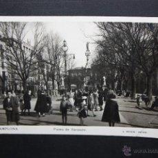 Postales: ANTIGUA FOTO POSTAL DE PAMPLONA. NAVARRA. PASEO DE SARASATE. FOT. L. ROISIN. CIRCULADA. Lote 47073778