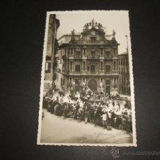 Postales: PAMPLONA ENCIERROS DE SAN FERMIN AYUNTAMIENTO. Lote 53994111