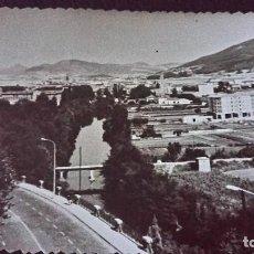 Postales: ANTIGUA FOTOGRAFÍA DE PAMPLONA. FOTO AÑOS 60. . Lote 75902423