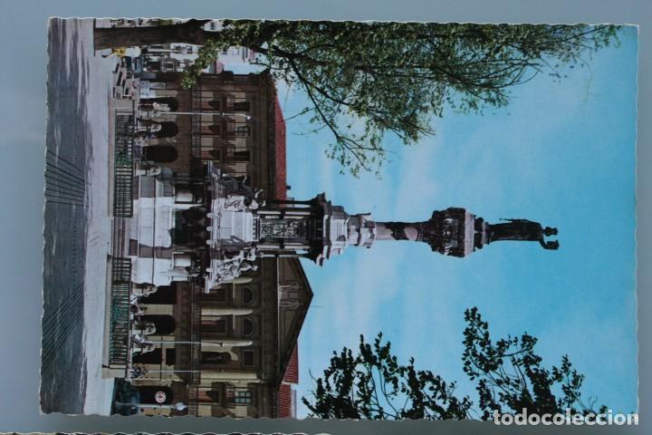 Postales: ANTIGUAS POSTALES PAMPLONA: PLAZA CASTILLO, AVENIDA CARLOS III, MONUMENTO FUEROS NAVARRA - AÑOS 60 C - Foto 4 - 84231892