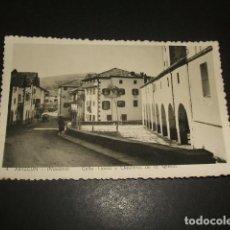 Postales: ARIZCUN NAVARRA CALLE TIPICA Y CLAUSTROS DE LA IGLESIA. Lote 139354646
