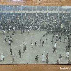 Postales: POSTAL FOTOGRAFICA. PLAZA TOROS, ENCIERRO PAMPLONA. 1912.. Lote 141570066