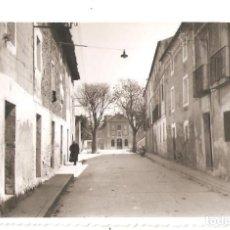 Postales: CORELLA (NAVARRA) CALLE E IGLESIA DEL CARMEN. POSTAL FOTOGRÁFICA.. Lote 147569022