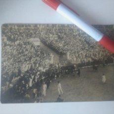 Postales: POSTAL ENCIERRO SAN FERMÍN PAMPLONA DÉCADA DE 1920 SELLO ALFONSO XIII. Lote 152521230