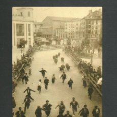 Postales: POSTAL SIN CIRCULAR - PAMPLONA 64 - ENCIERRO AÑO 1935 - FOTO RUPEREZ - EDITA POSTALES IRUÑA. Lote 155877226