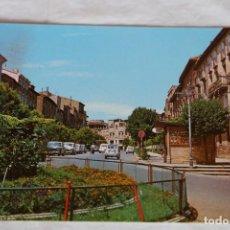 Postais: POSTAL DE TUDELA: CALLE DE VILLANUEVA. SEAT 600-1500 (ED.FITER) MATASELLOS MAYO 1969. Lote 157874802
