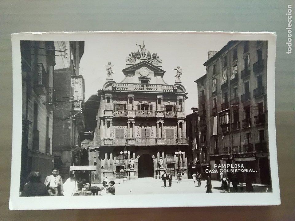 POSTAL PAMPLONA CASA CONSISTORIAL (Postales - España - Navarra Moderna (desde 1.940))