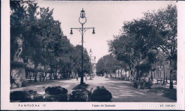 POSTAL PAMPLONA - PASEO DE SARASATE - ARRIBAS - CIRCULADA (Postales - España - Navarra Antigua (hasta 1.939))