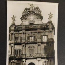 Postales: PAMPLONA-AYUNTAMIENTO-2-FOTOGRAFICA ROISIN-POSTAL ANTIGUA-(64.079). Lote 183008316