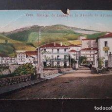 Postales: VERA DE BIDASOA NAVARRA ESTATUA DE LEGUTA EN LA AVENIDA DE AVIRANETA. Lote 191603495