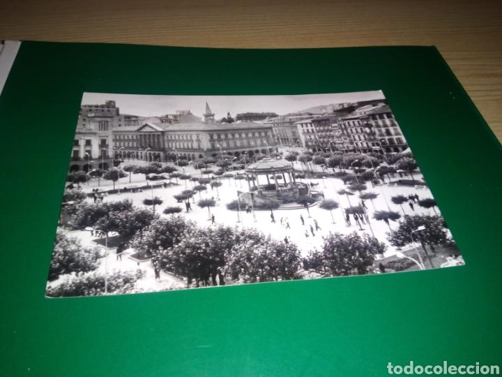 ANTIGUA POSTAL DE PAMPLONA. PLAZA DEL CASTILLO. AÑOS 60 (Postales - España - Navarra Moderna (desde 1.940))