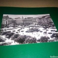 Postales: ANTIGUA POSTAL DE PAMPLONA. PLAZA DEL CASTILLO. AÑOS 60. Lote 194225395