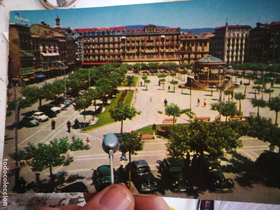 POSTAL PAMPLONA PLAZA DEL CASTILLO N 4 1960 ESTADO REGULAR (Postales - España - Navarra Moderna (desde 1.940))
