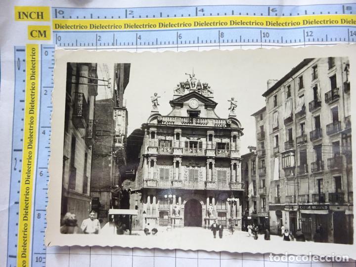 POSTAL DE NAVARRA. AÑOS 30 50. PAMPLONA, AYUNTAMIENTO. 13 ARRIABS. 881 (Postales - España - Navarra Antigua (hasta 1.939))