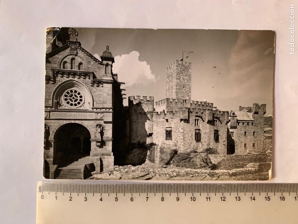 POSTAL. CASTILLO DE JAVIER. FACHADA CASTILLO Y BASÍLICA. NAVARRA. EDICIONES SICILIA. (Postales - España - Navarra Moderna (desde 1.940))