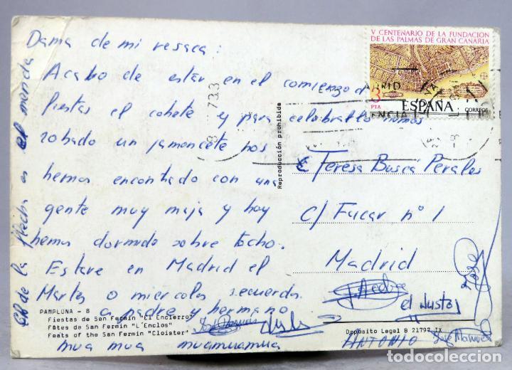 Postales: Postal Pamplona Fiestas San Fermín El encirerro toros circulada sello 1973 - Foto 2 - 288665993