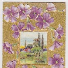 Postales: POSTAL DE NAVIDAD PRINCIPIOS SIGLO XX 1910, BONITA TARJETA DORADA, VIOLETAS Y PAISAJE RURAL. Lote 39703055